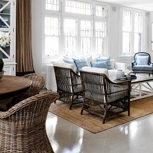 Cozy Hampton style living room